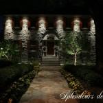Réalisation d'éclairage architectural avec trottoir